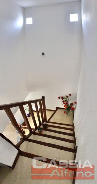 Foto Departamento en Venta en  Lomas de Zamora Oeste,  Lomas De Zamora  LORIA 762