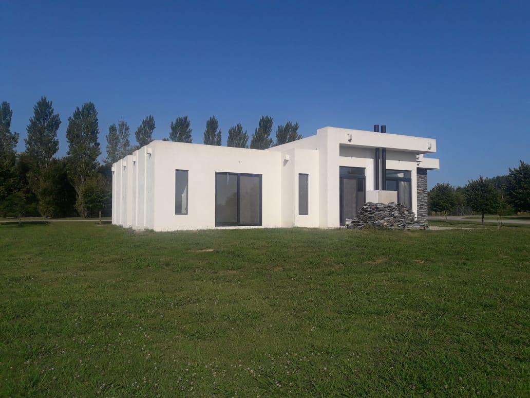 Foto Casa en Venta en  El Bosque de R.Lujan,  Los Cardales  El Bosque de R.Lujan
