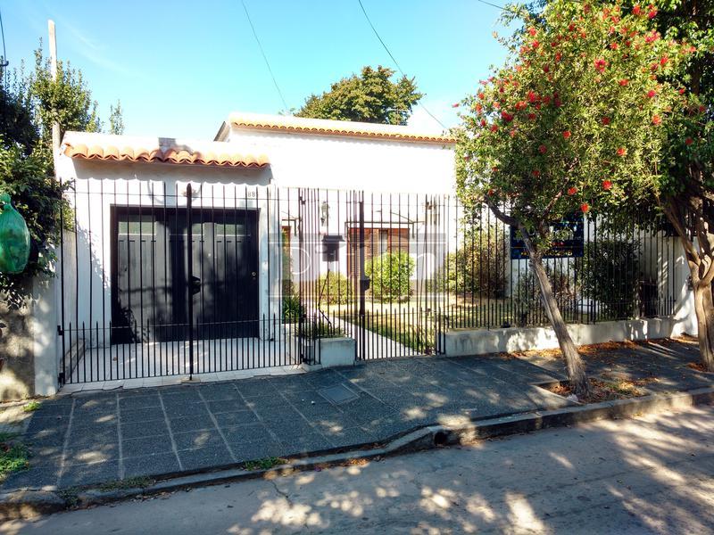 Foto Casa en Venta en  Banfield Este,  Banfield  Vergara 885