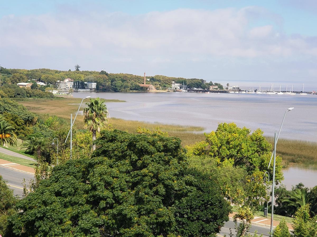 Foto Apartamento en Venta en  Colonia del Sacramento ,  Colonia  Mono ambiente con hermosas vista a la bahía