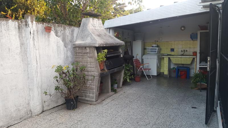 Foto Casa en Venta en  Lomas de Zamora Oeste,  Lomas De Zamora  COLOMBRES al 1100