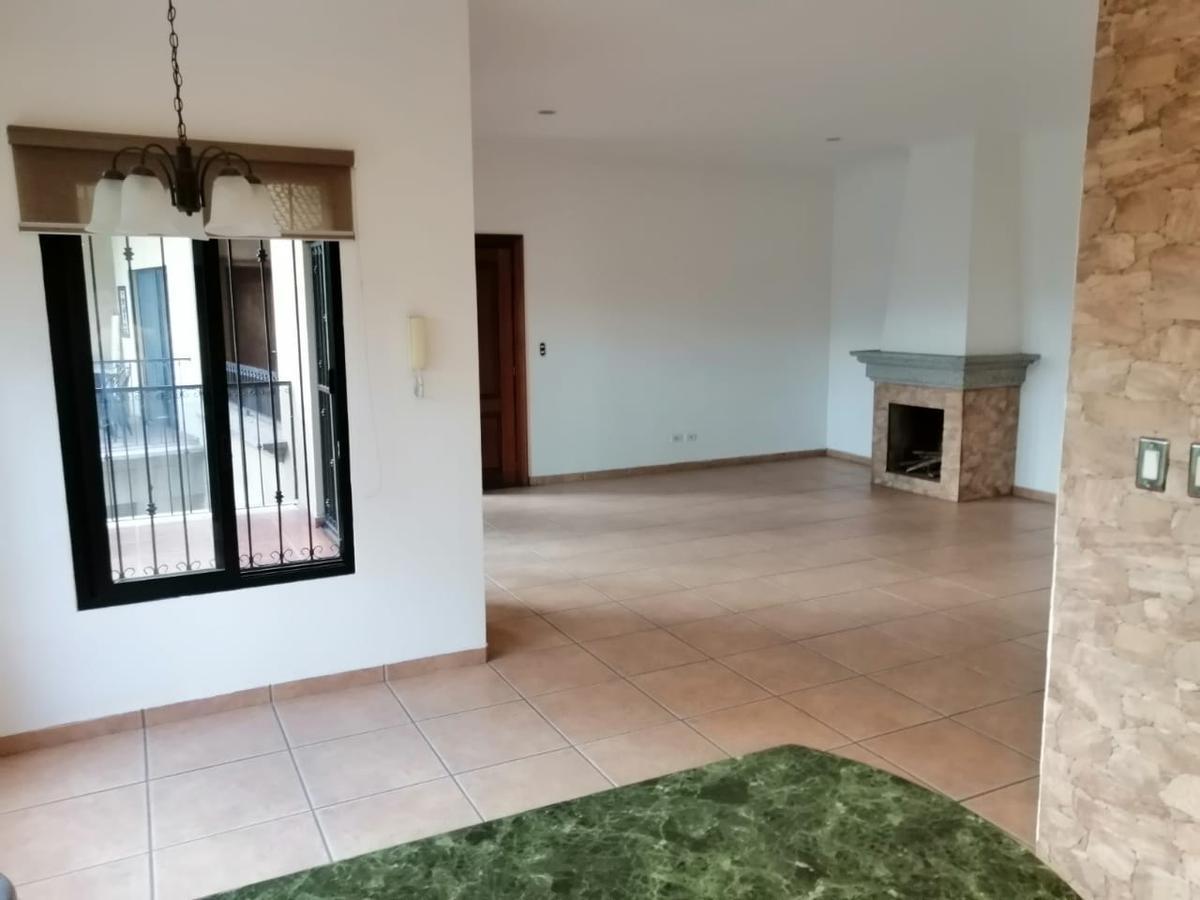 Foto Departamento en Renta en  Tegucigalpa ,  Francisco Morazán  Amplio Apartamento en RENTA de 2 Hab. 2 Baños Km 6, El Hatillo_ Tegucigalpa