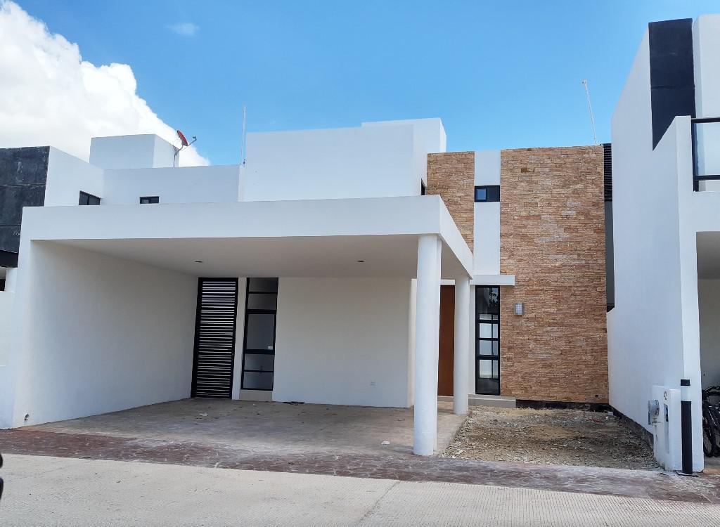 Foto Casa en Renta en  Mérida ,  Yucatán  Renta Casa en Privada Fontana (4 REC).