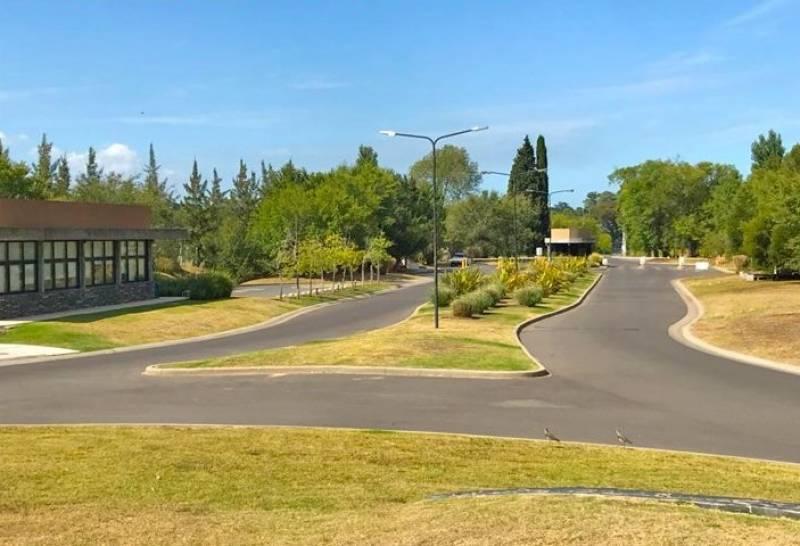 Foto Isla en Venta en  San Sebastian,  Countries/B.Cerrado  Lote perimetral en Torreciudad. Área 8