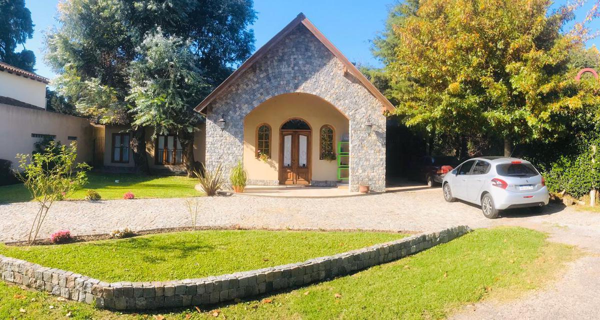 Foto Casa en Venta en  Barrio Parque Leloir,  Ituzaingo  De la Huella al 3600