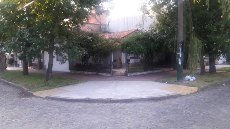 Foto Casa en Venta en  Banfield Oeste,  Banfield  MANUEL CASTRO 1202 esq. Grigera