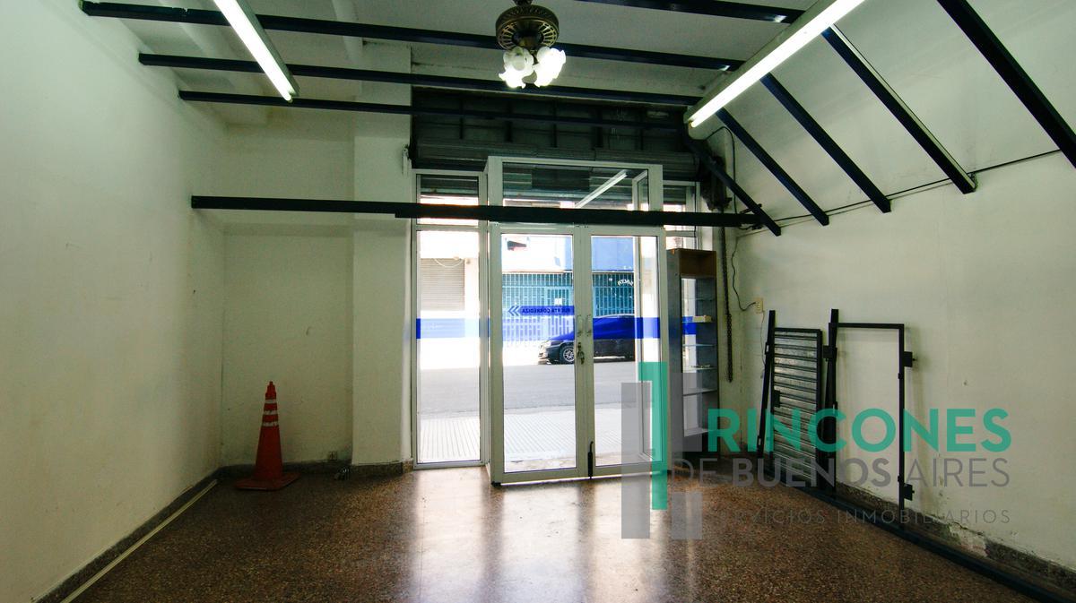 Foto Local en Venta | Alquiler en  San Telmo ,  Capital Federal  Salta al 1100