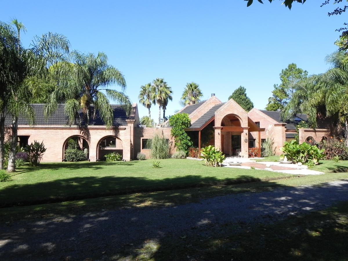 Foto Casa en Venta en  Los Quinchos C.C,  Countries/B.Cerrado  Importante  propiedad   Los Quinchos CC
