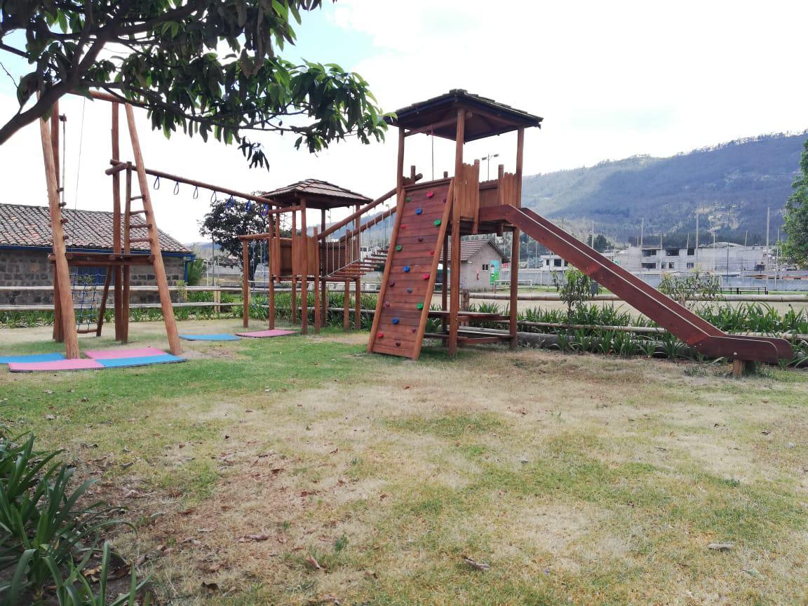 Foto Local en Alquiler en  Cumbayá,  Quito  Lumbicity