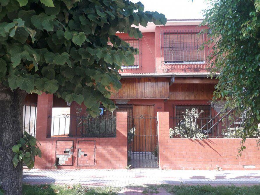Foto Casa en Venta en  Burzaco,  Almirante Brown  Burzaco