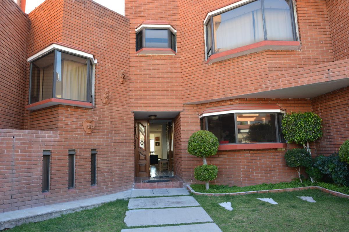 Foto Casa en Venta en  Fuentes de Satélite,  Atizapán de Zaragoza  Linda casa en venta en Fuentes de Satelite