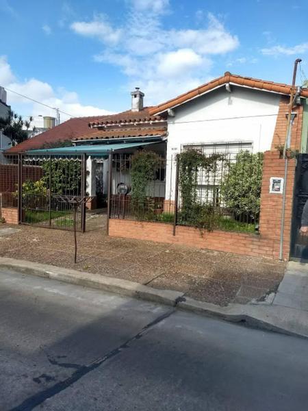 Foto Casa en Venta en  Carapachay,  Vicente Lopez  Juan José Castelli al 6100