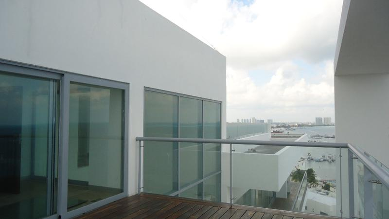Foto Departamento en Venta en  Zona Hotelera,  Cancún  Penthouse de 2 niveles en venta frente al Mar Zona Hotelera Cancún
