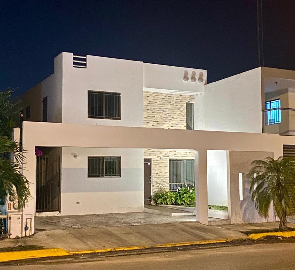 Foto Casa en Venta en  Fraccionamiento Las Américas,  Mérida  PRECIOSA CASA EN FRACC. LAS AMERICAS