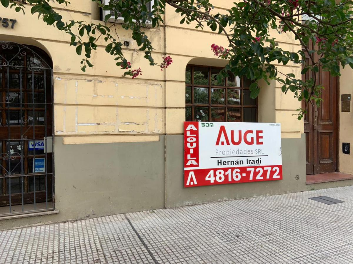 Foto Local en Alquiler en  San Nicolas,  Centro (Capital Federal)  Pasaje del Carmen al 700