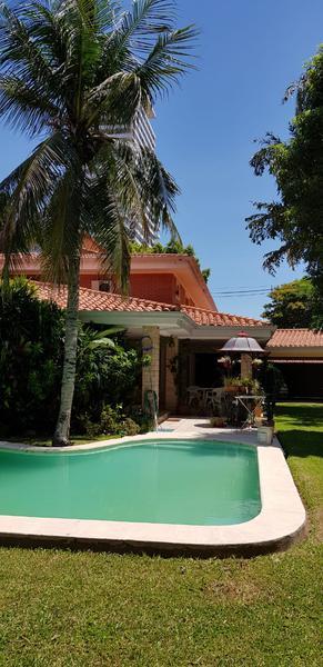 Foto Casa en Venta en  Ycua Sati,  Santisima Trinidad  Zona Paseo La Galería