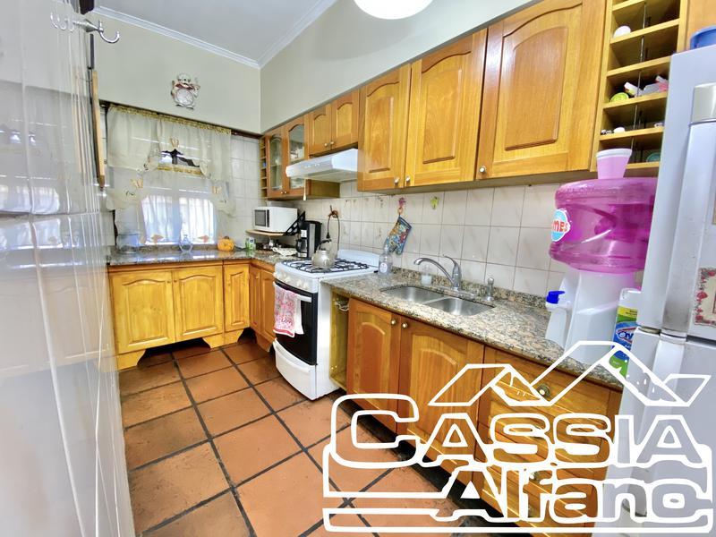 Foto Casa en Venta en  Temperley Oeste,  Temperley  LINIERS 1089