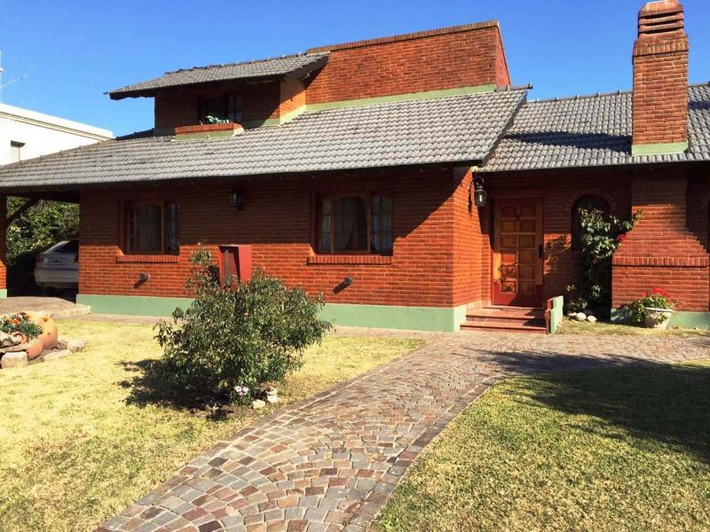 Foto Casa en Venta en  Banco Provincia De Bs. As.,  Countries/B.Cerrado  Almafuerte al 3900, Barrio Banco Provincia