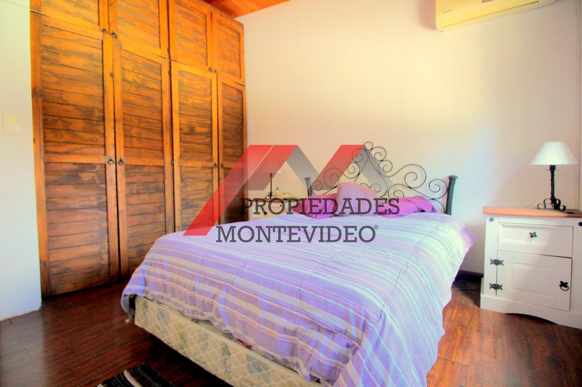 Foto Casa en Venta en  Aires Puros ,  Montevideo  Aires Puros, Pedro Trapani al 1100