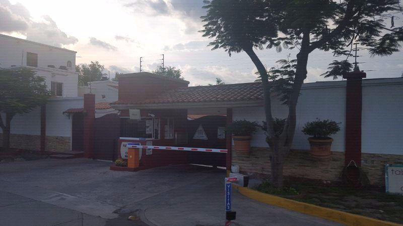 Foto Casa en Venta en  Fraccionamiento Tabachines,  Culiacán  CASA EN VENTA CULIACÁN