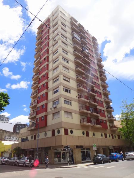 Foto Departamento en Venta en  Centro,  Mar Del Plata  H. Yrigoyen y Moreno