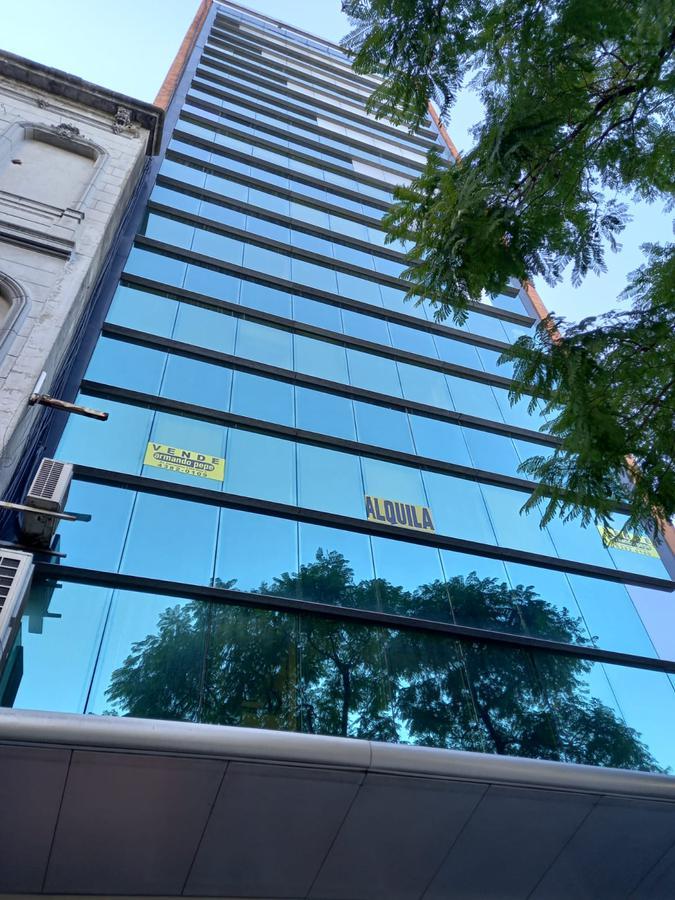Foto Oficina en Alquiler en  Centro (Capital Federal) ,  Capital Federal  Bernardo de Irigoyen al 300