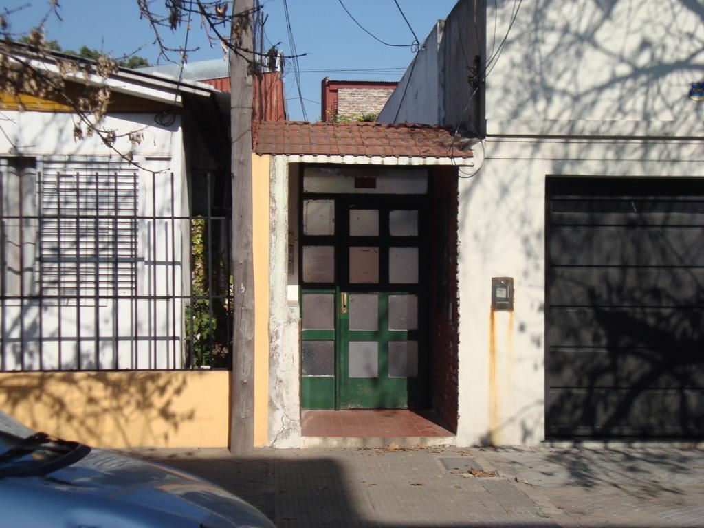 Foto Departamento en Venta en  Macrocentro,  Rosario  Casa/Departamento de pasillo de 2 dormitorios  - Urquiza 4145