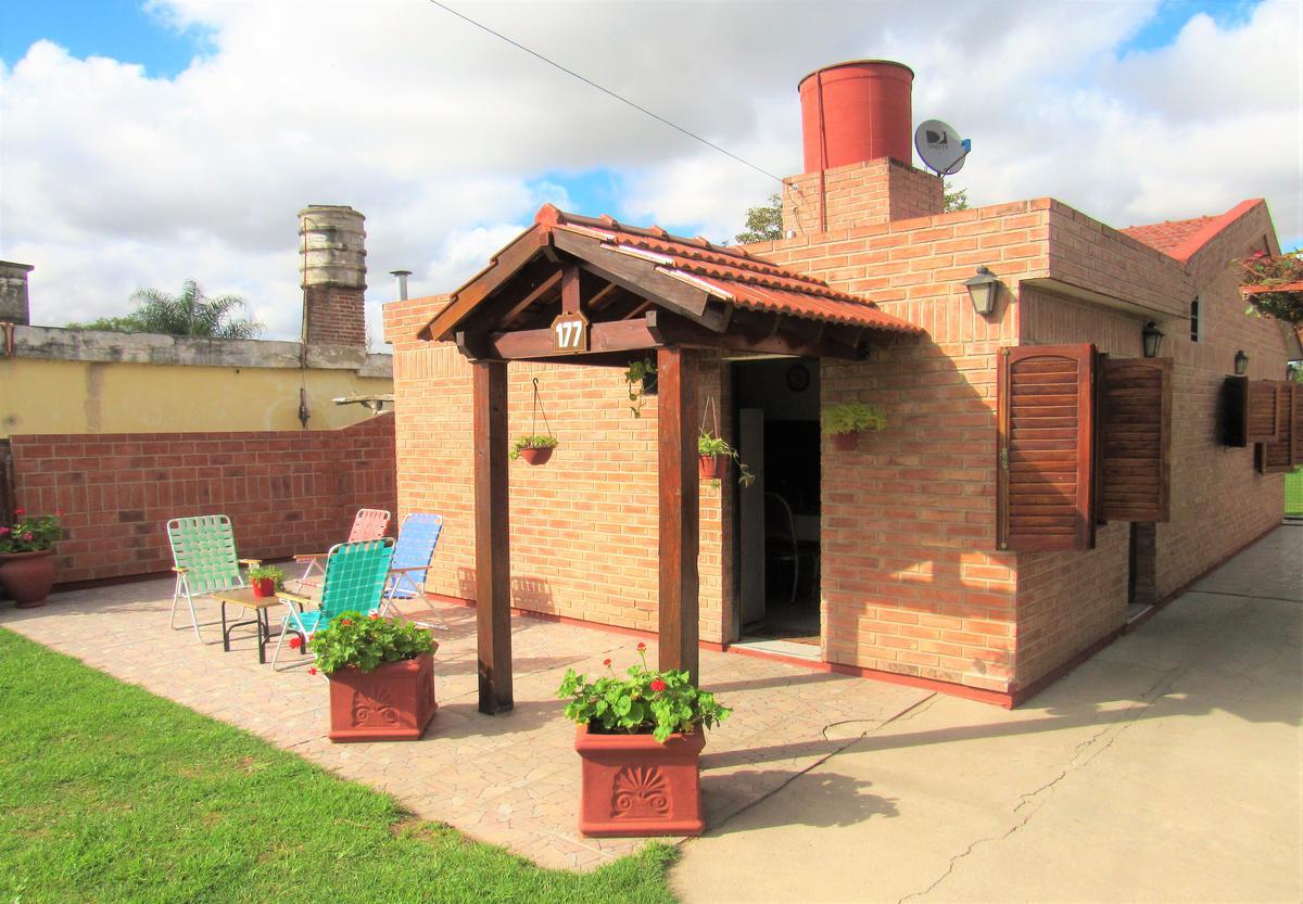 Foto Casa en Venta en  Guiñazu,  Cordoba Capital  El Pegual al 100