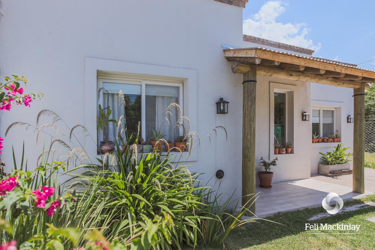 Foto Casa en Venta en  Bella Vista,  San Miguel  LAMADRID 200 - BELLA VISTA (SOBRE LOTE DE 300M2)