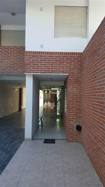 Foto Departamento en Alquiler en  Puerto La Plata,  Ensenada  11 e/ 43 y 44
