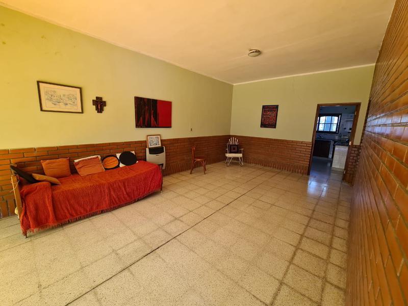 Foto Casa en Venta en  Capital ,  Tucumán  Ecuador al 300