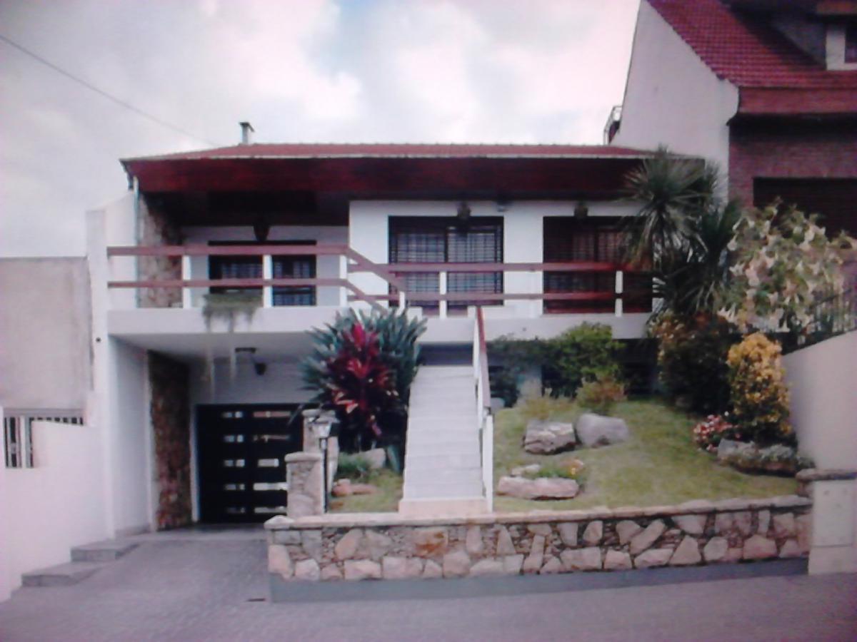 Foto Casa en Venta en  Ramos Mejia,  La Matanza  Catriel 1373