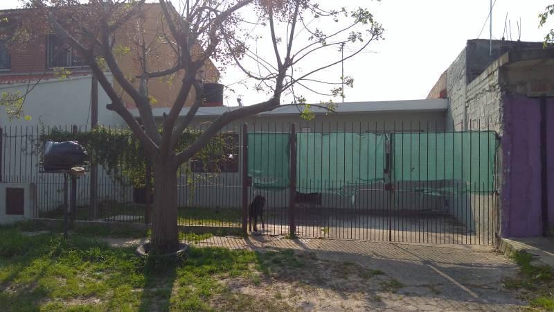 Foto Casa en Venta en  Quilmes Oeste,  Quilmes  307 bis al 3917 E/ calle 389 y calle 390