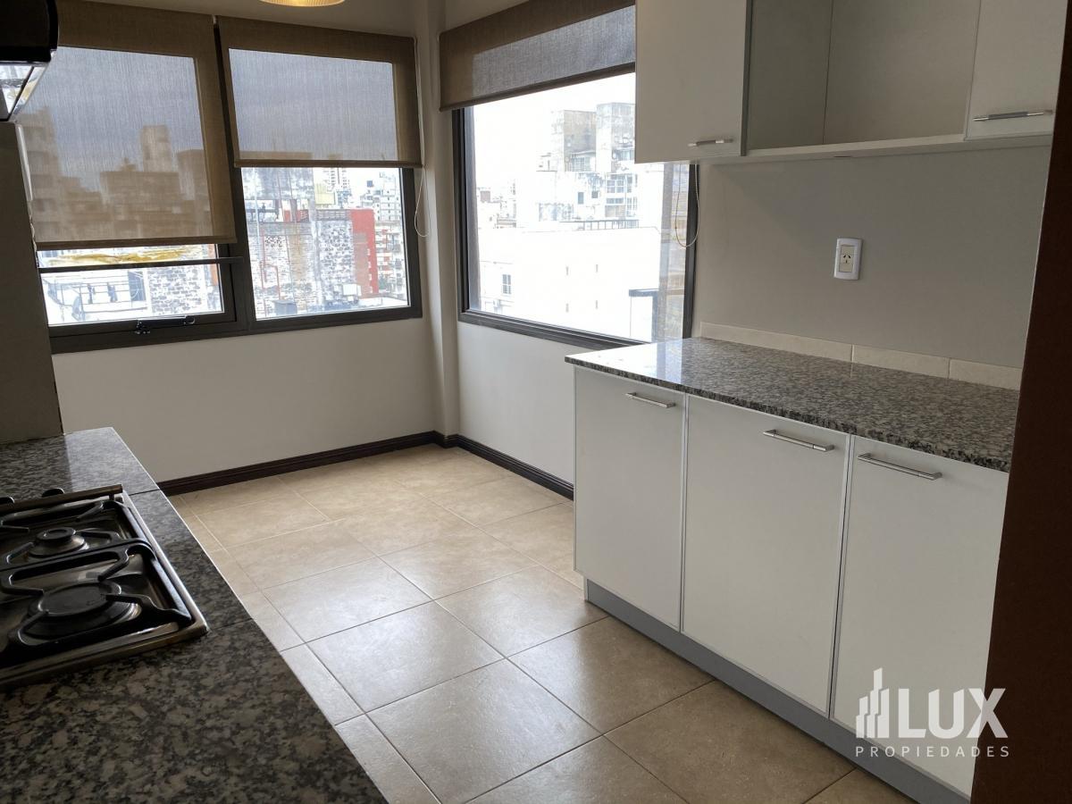 Departamento venta dos dormitorios con cochera Urquiza 2000  - Centro