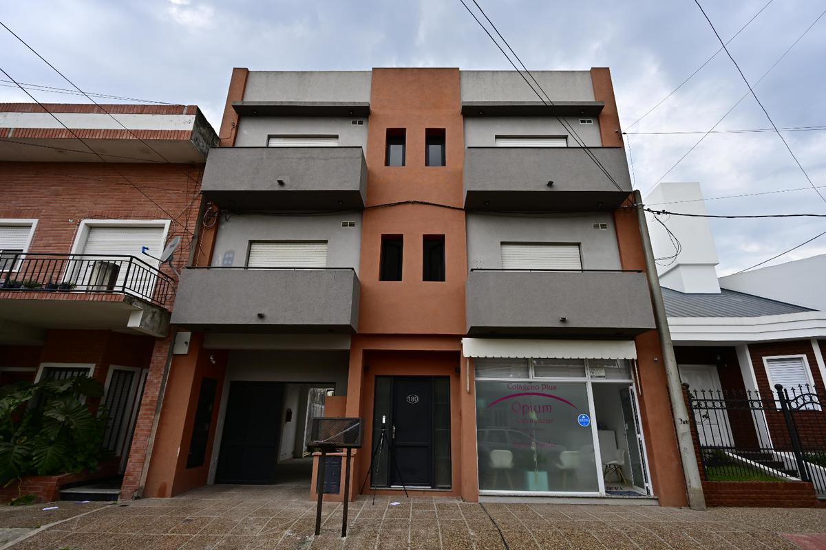 Foto Departamento en Alquiler en  Gualeguaychu ,  Entre Rios  San Luis N° 180