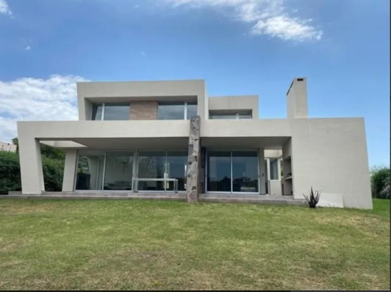 Foto Casa en Venta en  Villa Allende,  Cordoba Capital  Nuestra Señora De La Consolacion 55, Villa Allende Golf, Villa Allende
