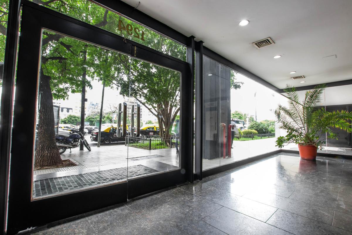 Foto Oficina en Alquiler en  Centro (Capital Federal) ,  Capital Federal  Cerrito 1200