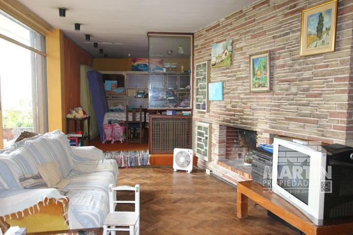 Foto Casa en Venta en  La Lucila-Vias/Maipu,  La Lucila  DIAZ VELEZ al 1200
