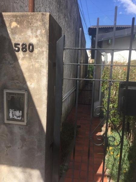 Foto Casa en Alquiler en  Burzaco,  Almirante Brown  Etchegoyen 580