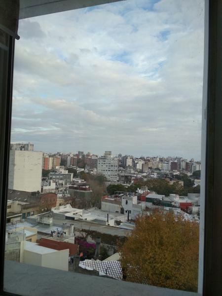Foto Departamento en Alquiler en  Pocitos ,  Montevideo  Luminoso contrafrente