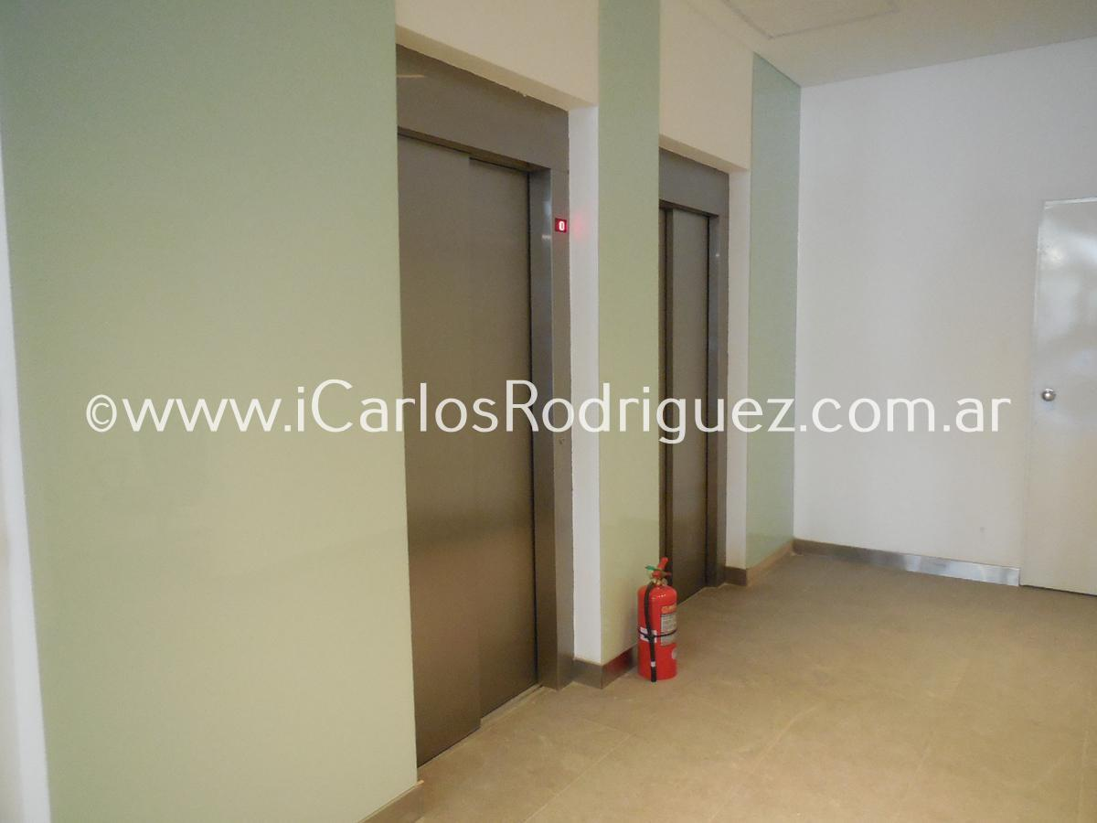 Foto Oficina en Alquiler en  Parque Patricios ,  Capital Federal  AV. SAENZ al 100