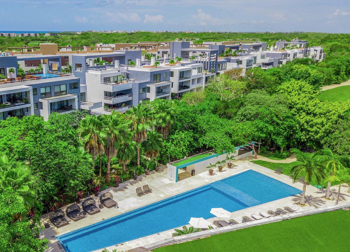 Foto Departamento en Venta en  Playa del Carmen,  Solidaridad  Departamento 2 habitaciones con Vista al Campo de Golf- Residencial Corasol