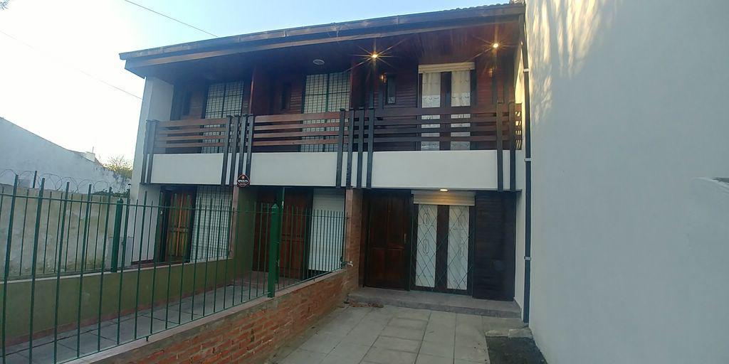 Foto Casa en Venta en  Mar Del Plata ,  Costa Atlantica  VENTA DUPLEX 3 AMBIENTES CON ENTRADA DE AUTO