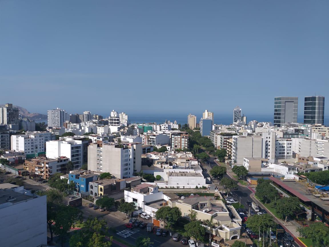 Foto Departamento en Alquiler en  Miraflores,  Lima  Avenida Reducto