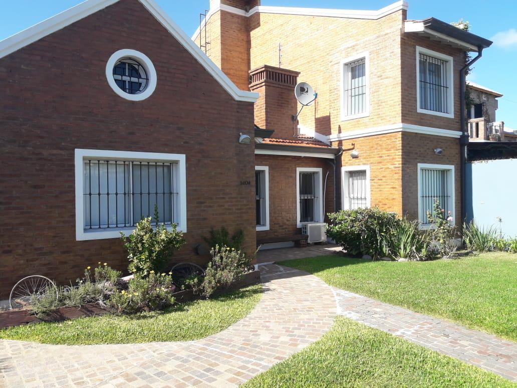 Foto Casa en Venta en  City Bell,  La Plata  478 y 9