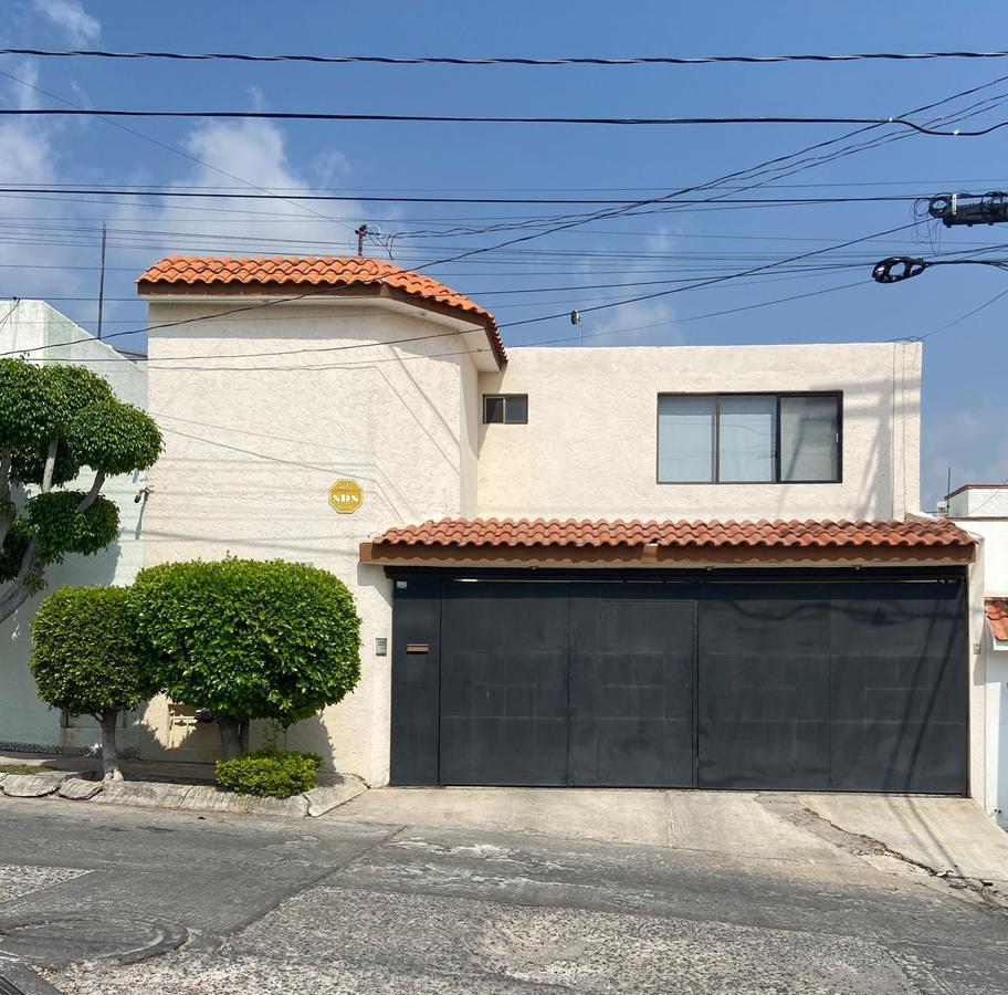 Foto Casa en Renta en  San Luis Potosí ,  San luis Potosí  HERMOSA CASA EN RENTA EN LOMAS 3A SECCION, SAN LUIS POTOSI