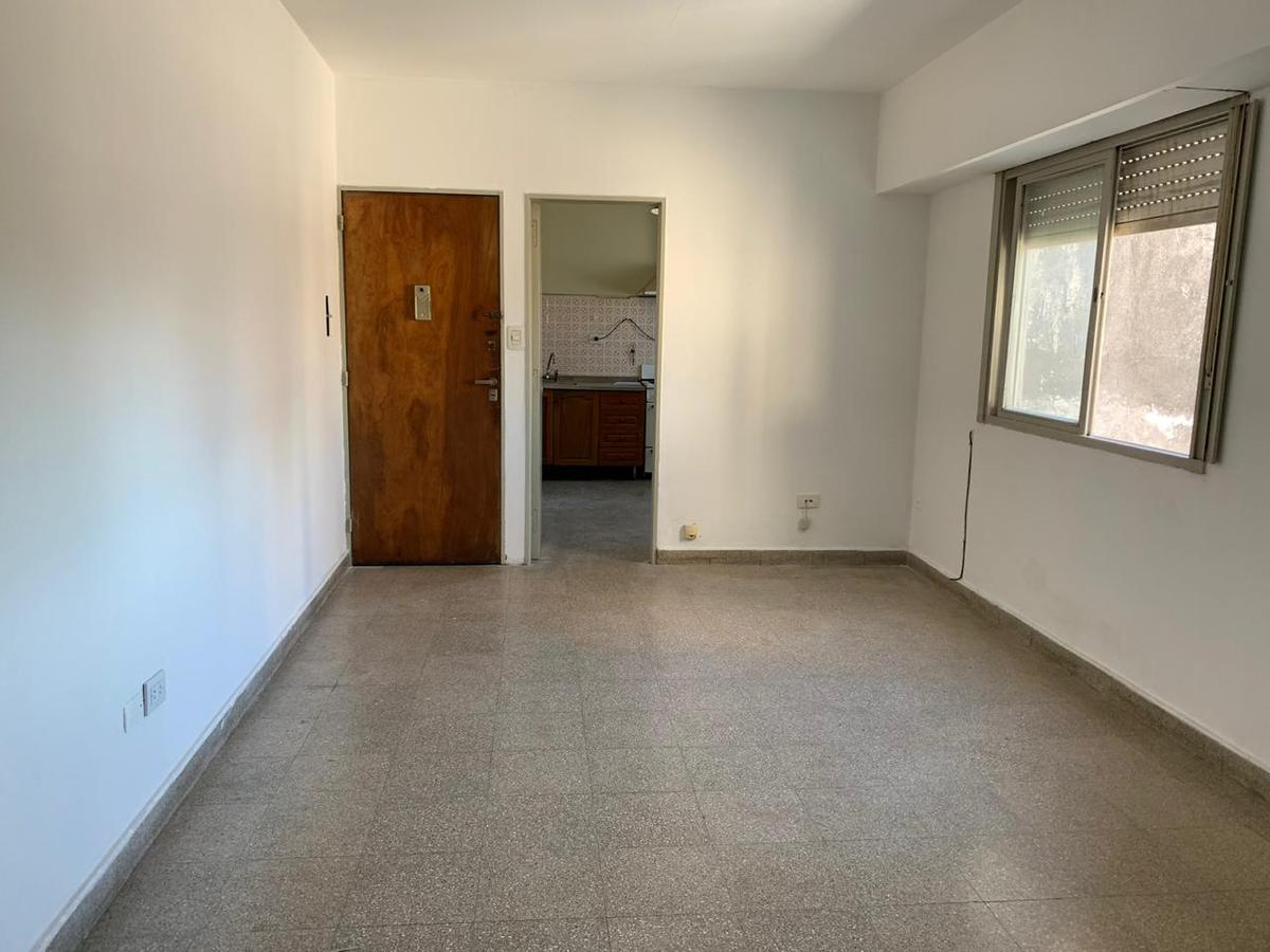 Foto Departamento en Alquiler en  Rep.De La Sexta,  Rosario  Roca al 2100