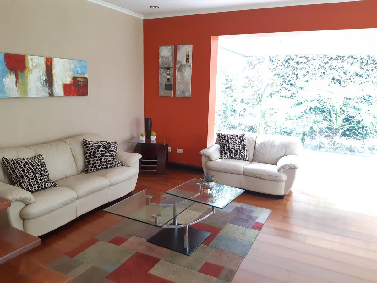 Foto Casa en condominio en Venta en  San Rafael,  Escazu  Escazú/ Electrodomésticos / 2 habitaciones/ Piscina