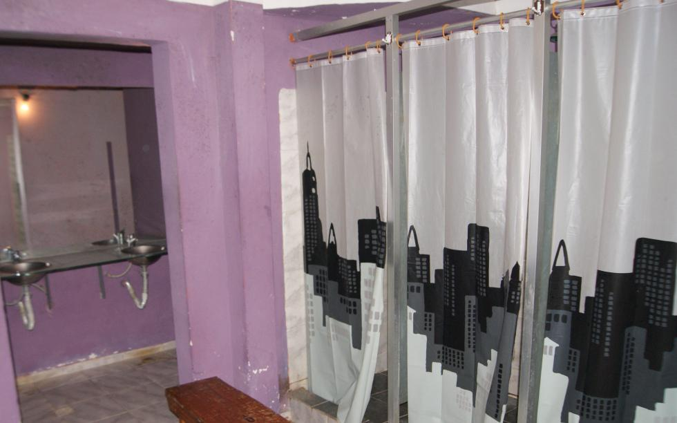 Foto Local en Venta | Alquiler en  Centro (Montevideo),  Montevideo  Local de 270 m2 - Soriano y Paraguay