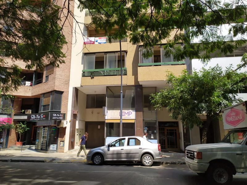 Foto Departamento en Venta en  Nueva Cordoba,  Cordoba Capital  Departamento en Venta en Nueva Córdoba de 3 Dormitorios   dependencia de servicio,Con Cochera